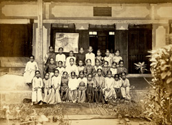 Group of pupils of the Bhagwandas Purshottum Girls' School, Bombay